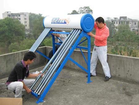 太阳能热水器的工作原理图解与结构图解