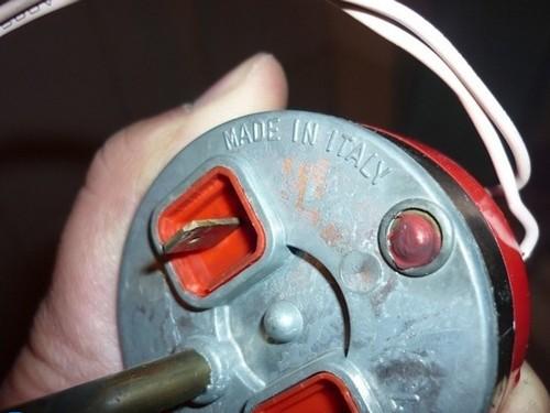 电热水器工作原理及内部结构图